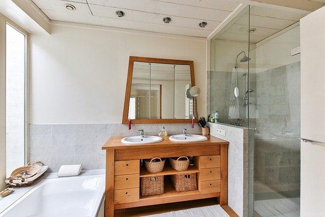 Glasvlies Behang Badkamer : Meer warmte met hout in de badkamer het mooiste thuis