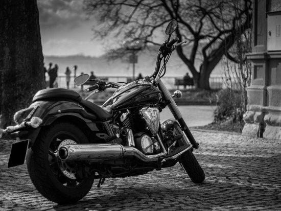 Hoe pas je jouw motorkleding aan op het seizoen?