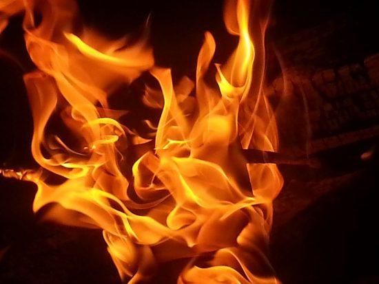 Het hele jaar genieten met een vuurtafel op je terras!