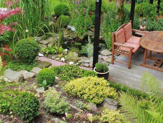 Het aanschaffen van een loungebank voor in de tuin; wat zijn de mogelijkheden?