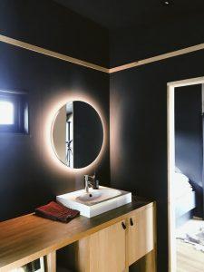 white-sink-2207894