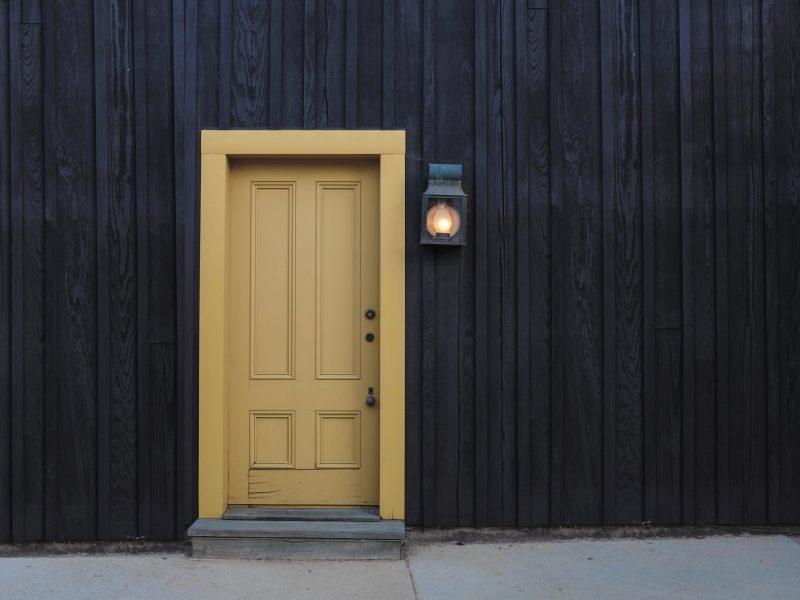 Een isolerende buitendeur aanschaffen